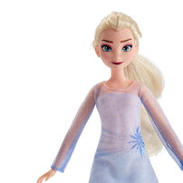 Disney Frozen 2 Elsa Fashion Doll and Nokk Figure